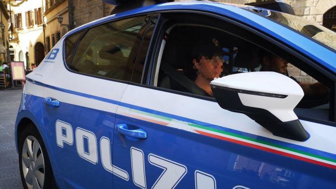 Bimbo sfugge al controllo della mamma, Polizia lo ritrova in tempi record