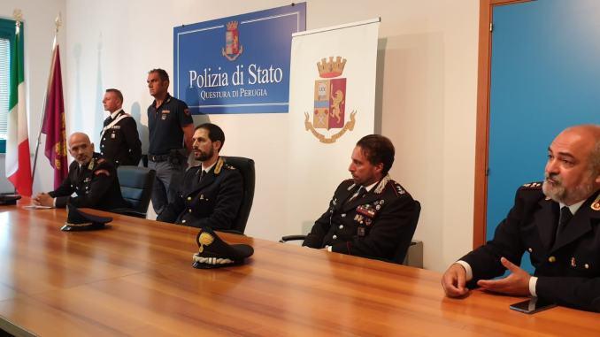 Assalti nei supermercati di Ponte Felcino e Bastia Umbria, presi i due rapinatori