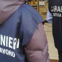 Allevatore arrestato per caporalato, minacciava dipendenti con un rivoltella
