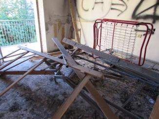Controlli a Fontivegge, stranieri occupano palazzina abbandonata