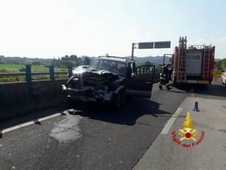 Incidente stradale sulla E45 a Lidarno, due auto ribaltate, feriti