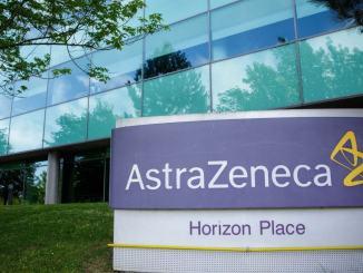 Stop prenotazioni vaccinazione Astrazeneca per categorie servizi essenziali