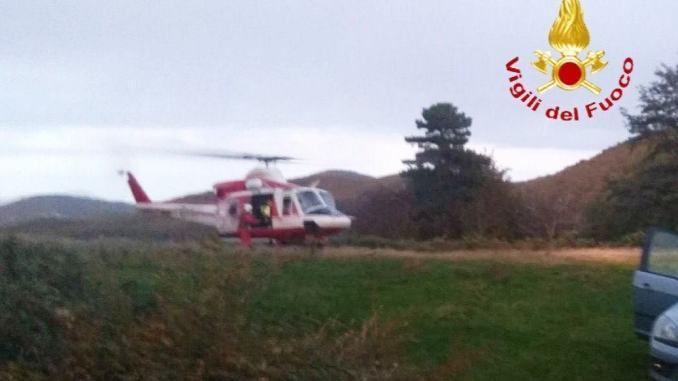 Due anziani si perdono a Stroncone, recuperati dall'elicottero dei Vigili del fuoco