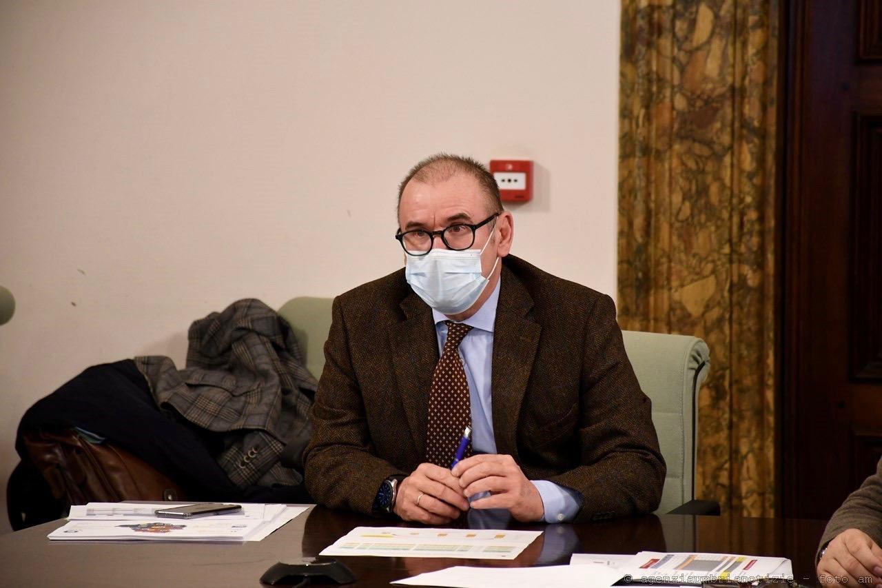Auguri del direttore alla salute Claudio Dario a lavoratori contro pandemia