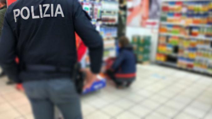 Polizia arresta giovane ladra seriale, rubava esclusivamente cosmetici