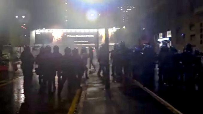 Coronavirus: proteste a Milano, Torino e Napoli per misure anti-Covid