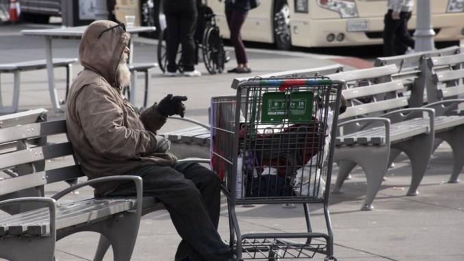 Emergenza Covid, servono interventi per le fasce deboli e i senzatetto