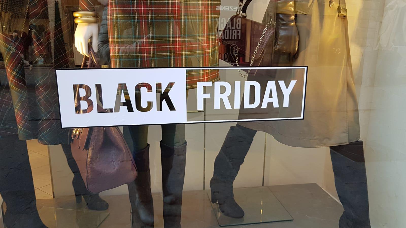 Coronavirus: Coldiretti, shopping per 1 italiano su 3 ma 28% rinuncia a Black Friday