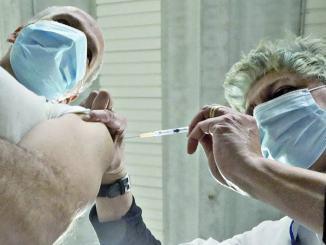 Bettarelli (pd) e De Luca (m5s) Over 80 dell'alto tevere senza vaccini