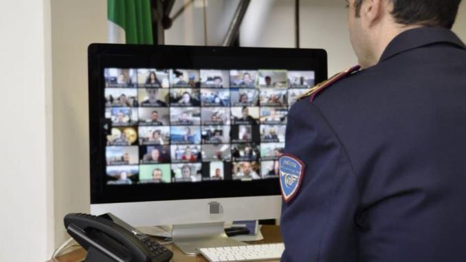 """Polizia Postale e delle Comunicazioni torna """"tra i banchi"""" di scuola"""