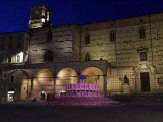 I monumenti di Perugia colorati di rosa per il Giro d'Italia