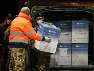 Covid: Mulè, arrivate dosi AstraZeneca, dalle 13.30 distribuite in tutta Italia