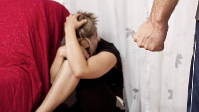 Marito malvagio, violento e spietato, arrestato uno straniero di 33 anni