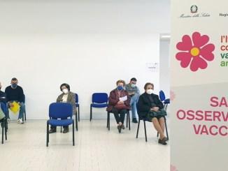 Covid in Umbria, 14 nuovi positivi, ma oltre 10mila dosi di vaccino in un giorno