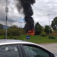 Incendio Bastia Umbra, furgone di latticini divorato dalle fiamme