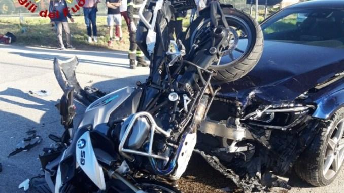 Auto contro moto, ferito motociclista, incidente a Taverne di Corciano