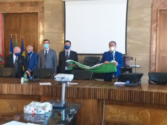 Provincia: Ancri dona bandiere tricolore e europee a Palazzo Bazzani