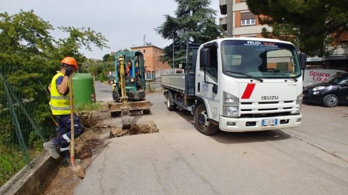 Guasto conduttura a Fontivegge, a Perugia, Umbra acque subito al lavoro