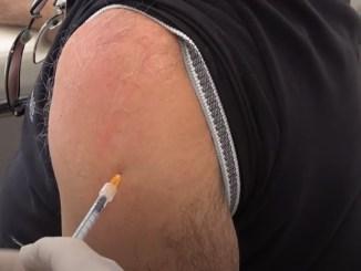 Lunedì 14 giugno vaccini alla Farmacia Luciani di Castel del Piano