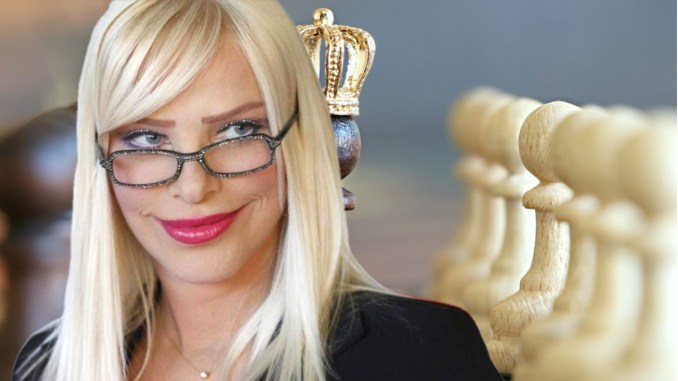 """Cicciolina, Ilona Staller, """"a Perugia"""", giocherà a scacchi, salvare Frigolandia"""