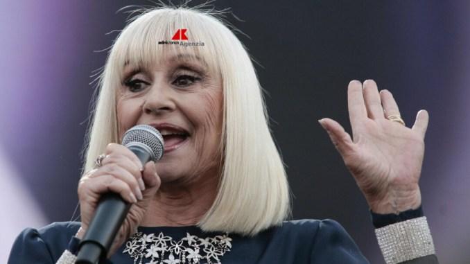 Morte Raffaella Carrà: '' Grazie Raffaella'' , Rai rivoluziona palinsesto