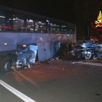 Incidente stradale, schianto a Spoleto tra autobus e vettura, 4 feriti 📸 FOTO