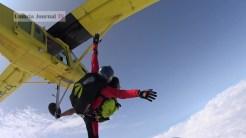 Nonna vlocante si lancia col paracadute (11)