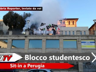 Sit-in Blocco Studentesco Perugia a Piazza Partigiani