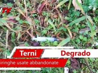 Siringhe usate abbandonate vicino parcheggio ospedale Santa Maria di Terni