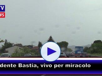 Incidente sulla 75 Centrale Umbra a Bastia tir schiaccia auto, vivo per miracolo