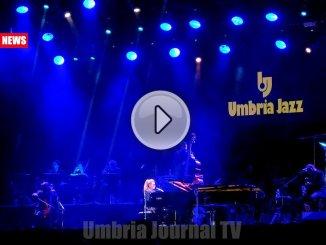 Umbria Jazz, Melody Gardot seduce l'Arena Santa Giuliana con la sua voce