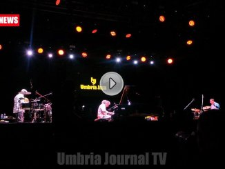 Video Que Bom, Stefano Bollani notte brasiliana a Umbria Jazz