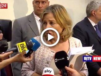 """Vaccini, Grillo: """"Resta l'autocertificazione. Poi obbligo flessibile"""", interviene anche Di Maio"""