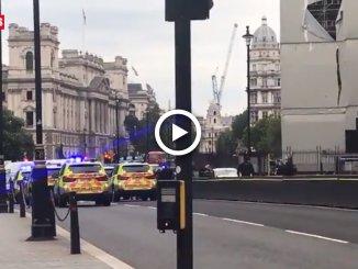 Londra, auto contro Parlamento, il video dell'arresto