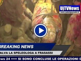Il video del salvataggio della speleologa intrappolata nelle grotte di Frasassi il Sasu al lavoro