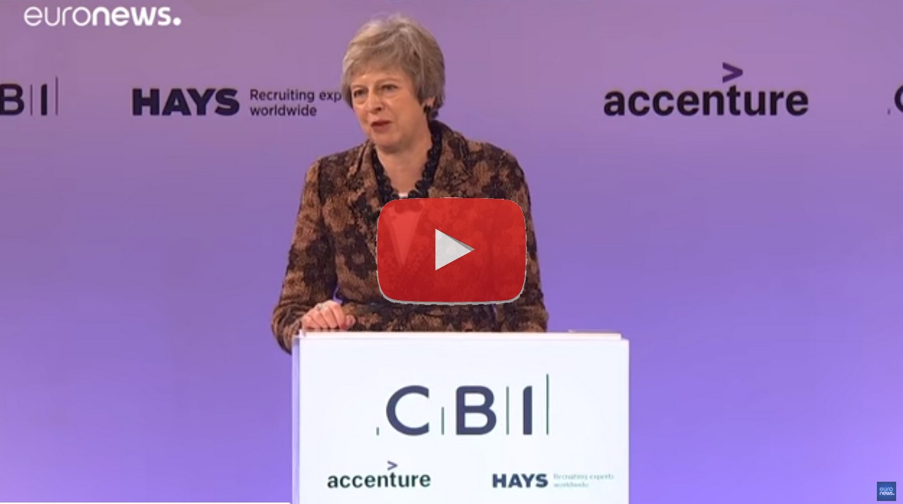 Theresa May difende la Brexit, video davanti agli imprenditori britannici