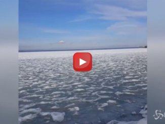Ungheria, il lago Balaton completamente ghiacciato