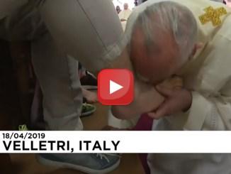 Papa Francesco nel carcere di Velletri per la lavanda dei piedi del Giovedì Santo…