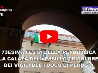 Festa della Repubblica a Perugia, la toccante calata del vessillo tricolore