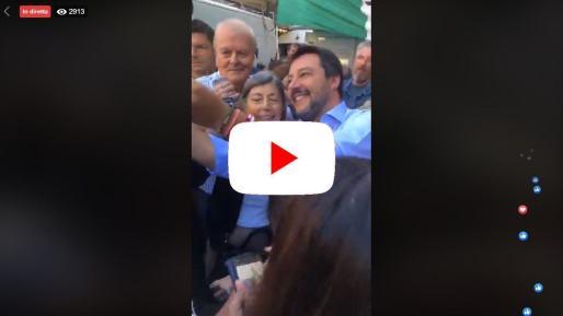 Matteo, Matteo, cori per Salvini nei gazebo in piazza   video diretta