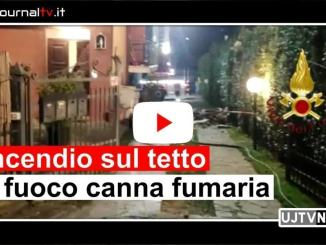 Video dell'intervento sul tetto di una casa, incendio canna fumaria a Castel del Piano