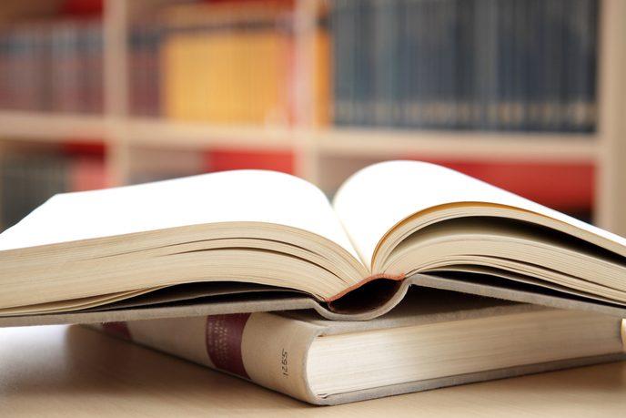 books e1530246255730 - 研究生课程Q&A