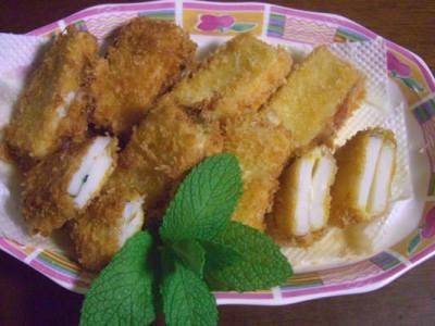 かまぼこレシピ チーズと梅のはさみ揚げ
