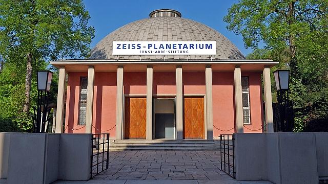 Planetarium_aussen_06_2010-2