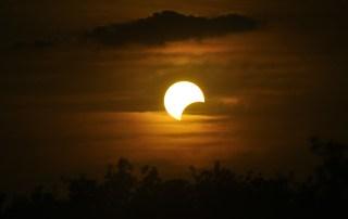 ummah-islamica.com, El sol y la luna serán arrojados al Infierno