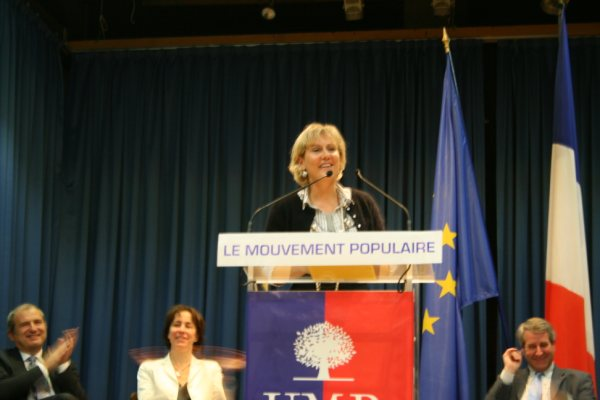 photo_nadine_morano_tribune_19_novembre_2009_img_5433_2_