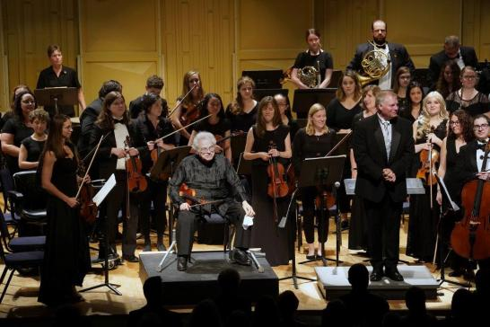 For his second appearance with the UMW Philharmonic, Perlman performed Mendelssohn's Violin Concerto, which was met with rousing applause. Photo by Suzanne Carr Rossi.