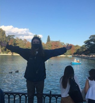 2019 alum Thomas Peterson moved to Madrid to teach English after graduating from Mary Washington with a bachelor's degree in Spanish and international affairs.