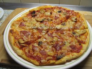 IMG_3185Salami Pizza