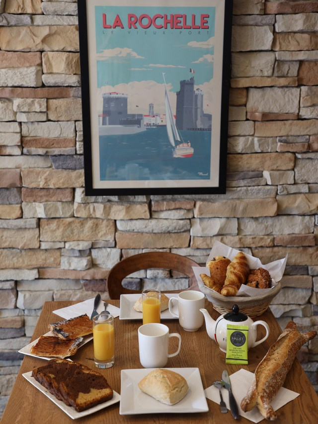 Petit-déjeuner - Un Hôtel sur Le Port